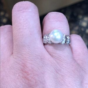Jewelry - 14kt white gold pearl ring